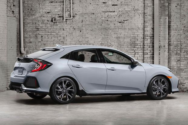 The 2017 Honda Civic Hatchback Has (Finally) Been Unveiled featured image large thumb0