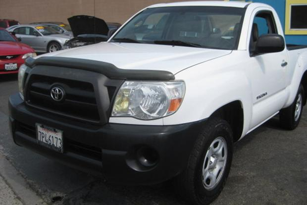 Autotrader Find: One-Owner 2005 Toyota Tacoma With 445,000 Miles featured image large thumb0