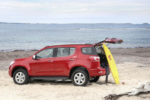 The Chevy Colorado Pickup Has an SUV Version in Australia featured image large thumb0