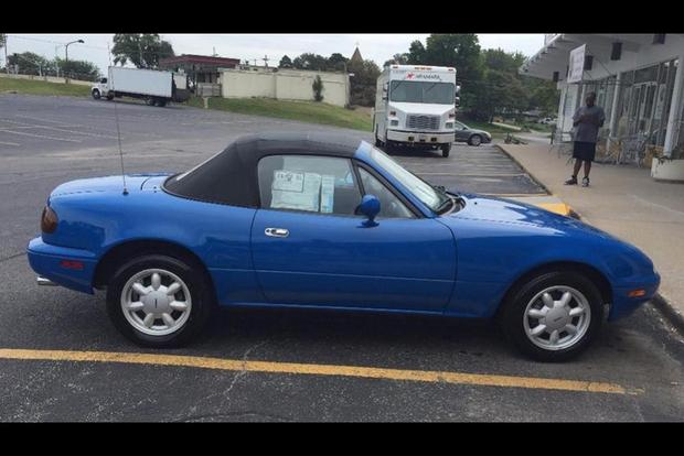 This 1990 Mazda Miata With 21 Original Miles Was Just Sold at Auction featured image large thumb0