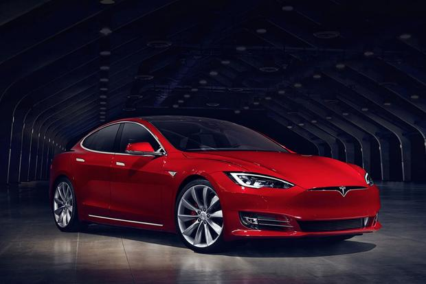 Tesla People Hate Me, but the Tesla Model S Still Isn't a Full-Size Luxury Sedan featured image large thumb0