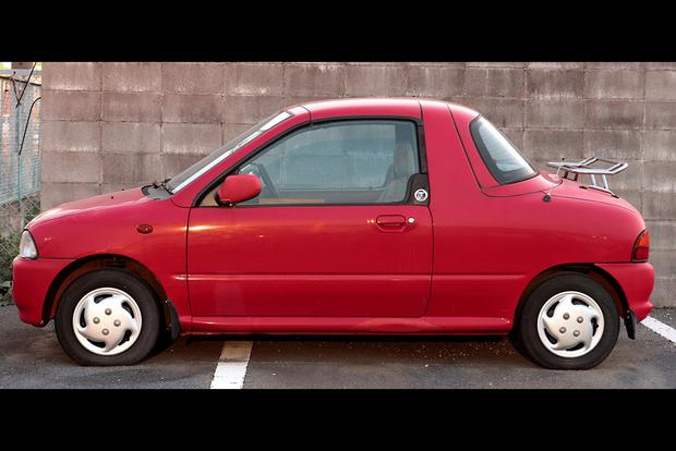 7 Weird Japanese Cars From the Late 1980s featured image large thumb0