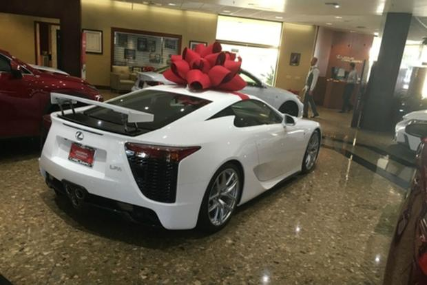 Autotrader Find: New, Never-Titled Lexus LFA for $382,000 featured image large thumb0
