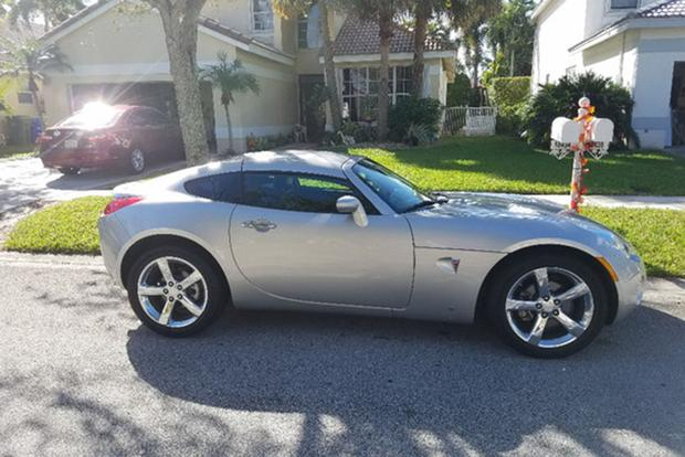 Yes, There's a Pontiac Solstice Coupe featured image large thumb0