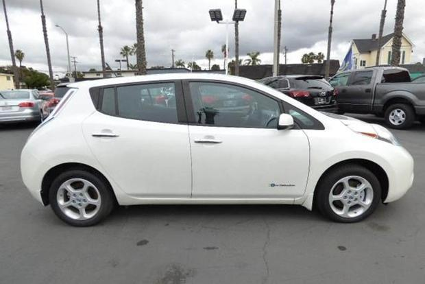 Autotrader Find: 2013 Nissan Leaf With 82,000 Miles featured image large thumb0