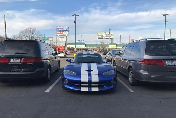 Fact: The Dodge Viper Has More Ground Clearance Than the Honda Odyssey featured image large thumb0
