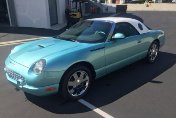 Autotrader Find: John Force's 270-Mile 2002 Ford Thunderbird featured image large thumb0