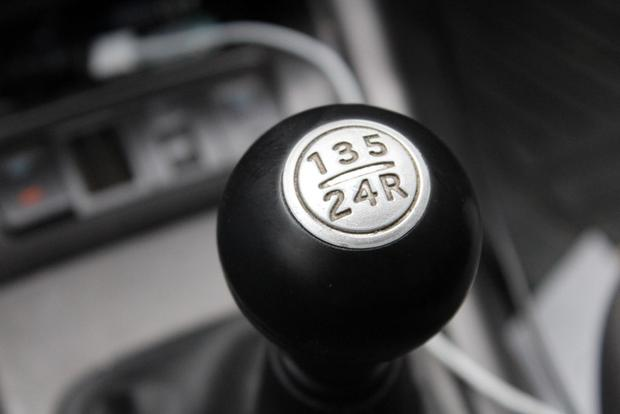 Why Hasn't Reverse Gear Been Standardized in Manual Transmissions? featured image large thumb0