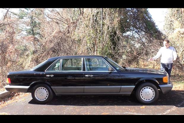 Here's a Tour of The Flagship Mercedes-Benz S-Class From 1991 featured image large thumb1