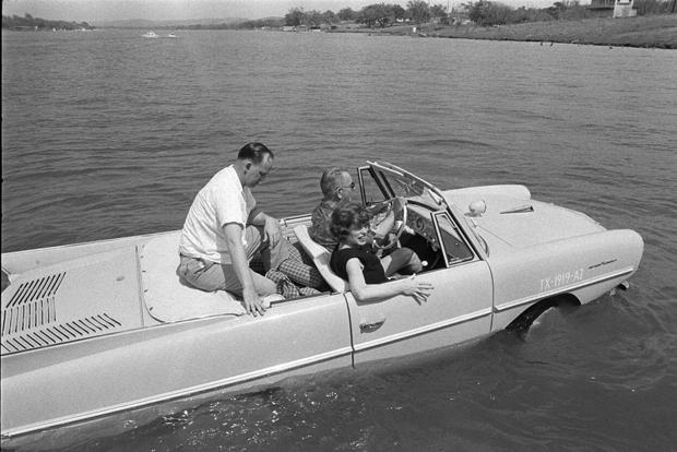 Lyndon B. Johnson Loved Pranking People With His Amphicar featured image large thumb0