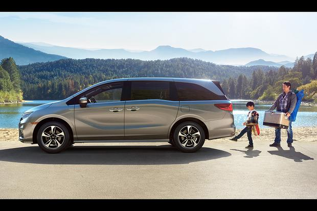 Minivans Are the New Station Wagon featured image large thumb0