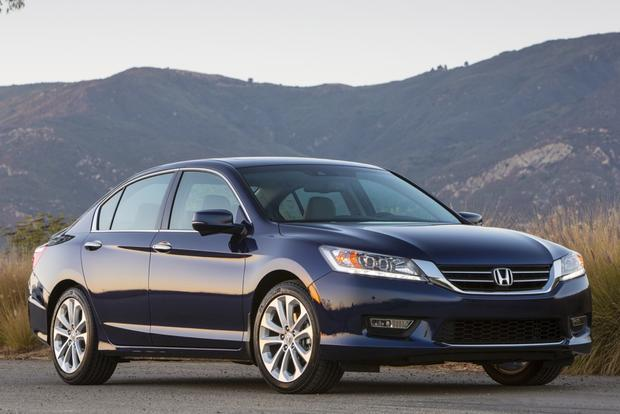2013 honda accord touring real world review autotrader for Honda accord exl 2013