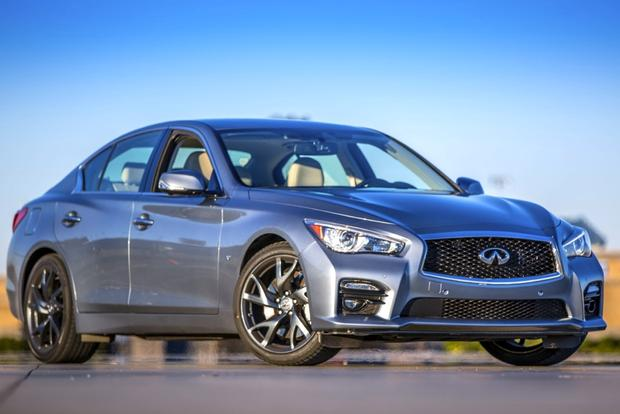 2017 Infiniti Q50 Hybrid Real World Review