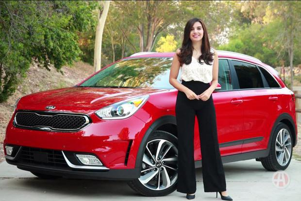 2017 Kia Niro: 5 Reasons to Buy - Video featured image large thumb1