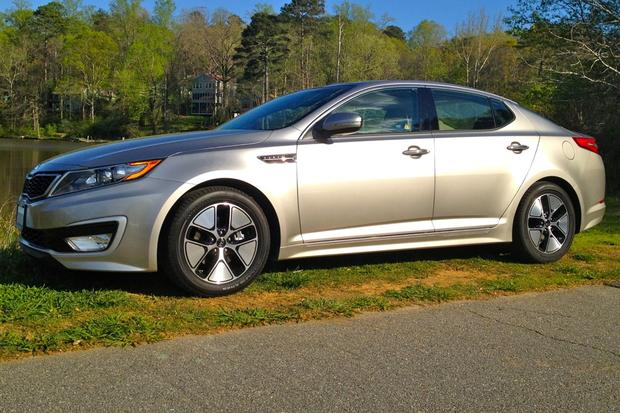 2012 Kia Optima Hybrid: Long-Term Introduction featured image large thumb0