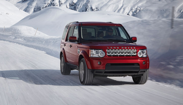 2014 Land Rover LR4: New Car Review featured image large thumb0