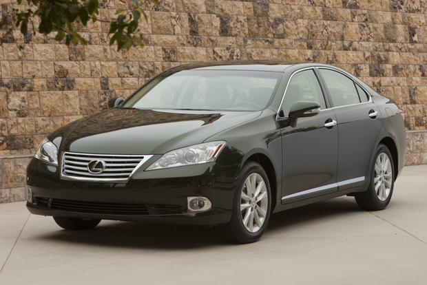 2012 Lexus ES 350: New Car Review featured image large thumb0