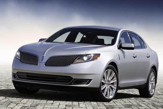 2013 Lincoln MKS: New Car Review featured image large thumb0
