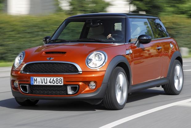 2012 mini cooper new car review autotrader. Black Bedroom Furniture Sets. Home Design Ideas