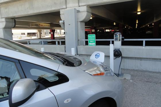 2011 Nissan Leaf: Free Airport Parking, But No Guaranteed Spot featured image large thumb0