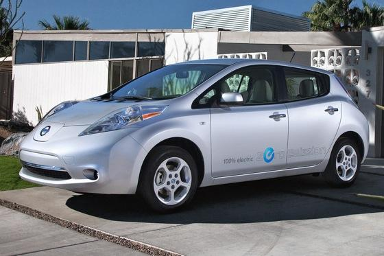 2011 Nissan Leaf: A Year of Thinking Differently featured image large thumb0