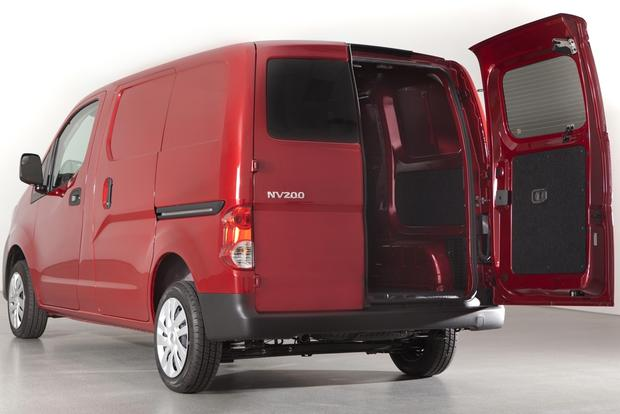 2013 Nissan NV200: New Car Review featured image large thumb0