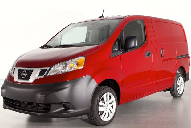 2014 Nissan NV200: New Car Review featured image large thumb0