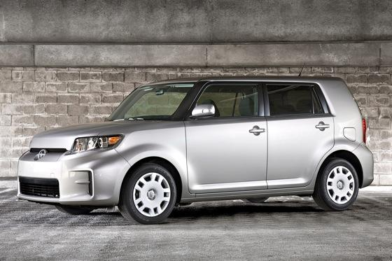 5 Reasons to Buy: 2011 Scion xB featured image large thumb0