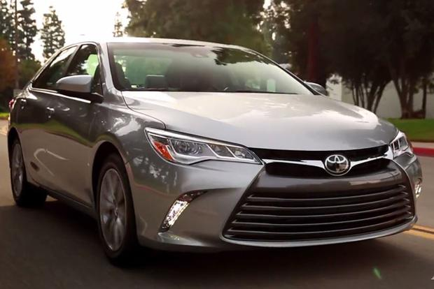 2015 Toyota Camry: 5 Reasons to Buy - Video featured image large thumb1