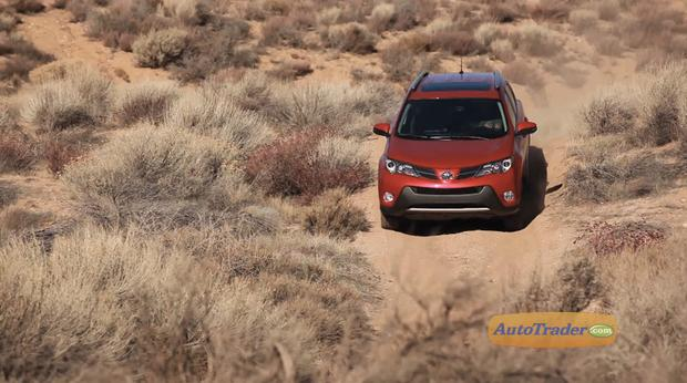 What's different about the all-wheel drive system in the 2013 Toyota RAV4? featured image large thumb1