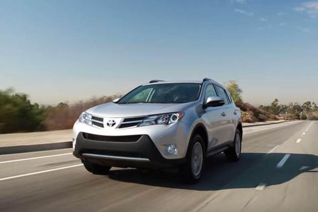 2015 Toyota RAV4: 5 Reasons to Buy - Video featured image large thumb1