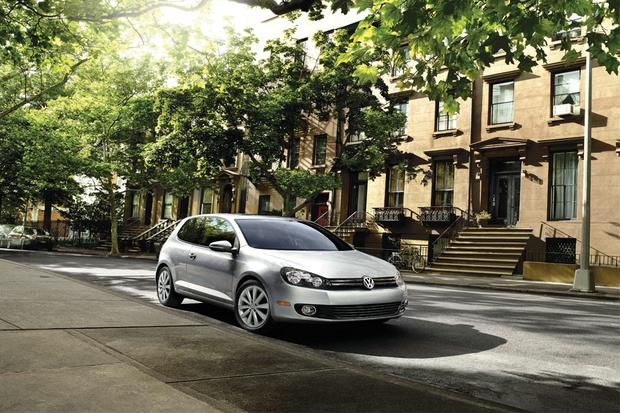 2012 Volkswagen Golf: New Car Review featured image large thumb0