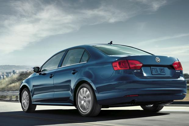 2014 Volkswagen Jetta: New Car Review featured image large thumb0