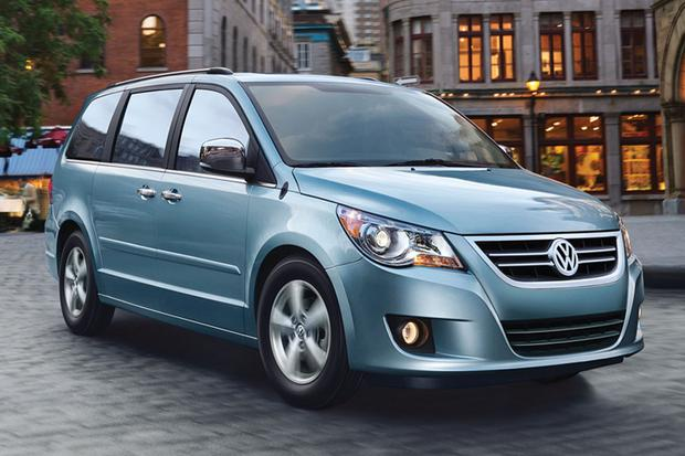 2012 Volkswagen Routan: New Car Review featured image large thumb0