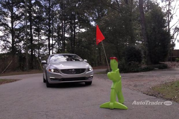New Car Technology: Forward Collision Warning - Video featured image large thumb1