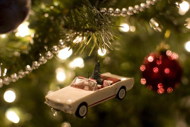 Top 7 Holiday Gifts for Car Lovers featured image large thumb0