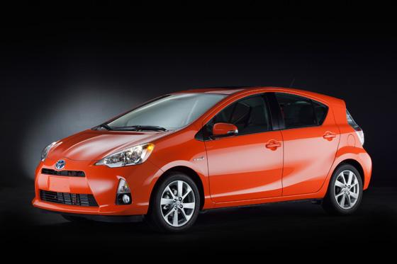 Tokyo Preview: Toyota Prius C featured image large thumb0
