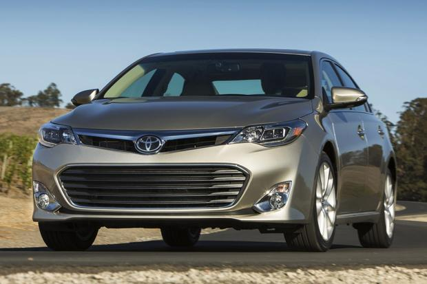 2015 Toyota Avalon vs. 2015 Kia Cadenza: Which Is Better? featured image large thumb1