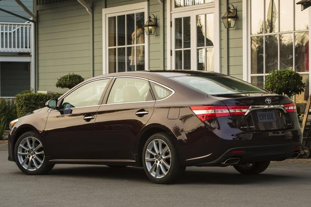 2015 Toyota Avalon vs. 2015 Kia Cadenza: Which Is Better? featured image large thumb4