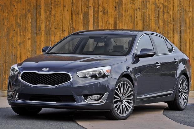 2015 Toyota Avalon vs. 2015 Kia Cadenza: Which Is Better? featured image large thumb6