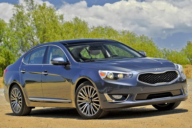 2015 Toyota Avalon vs. 2015 Kia Cadenza: Which Is Better? featured image large thumb8