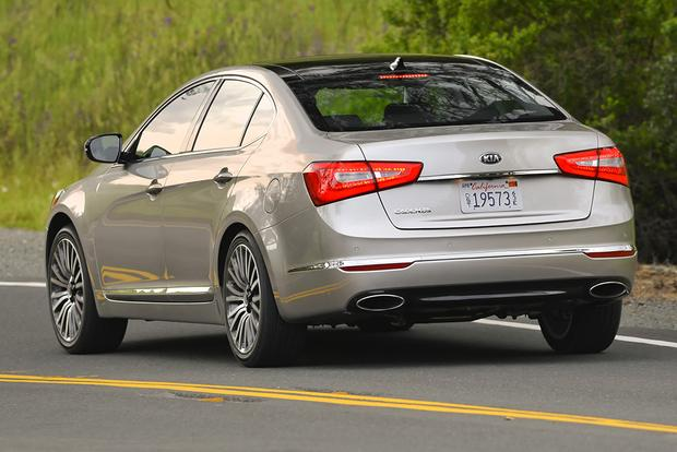 2015 Toyota Avalon vs. 2015 Kia Cadenza: Which Is Better? featured image large thumb10
