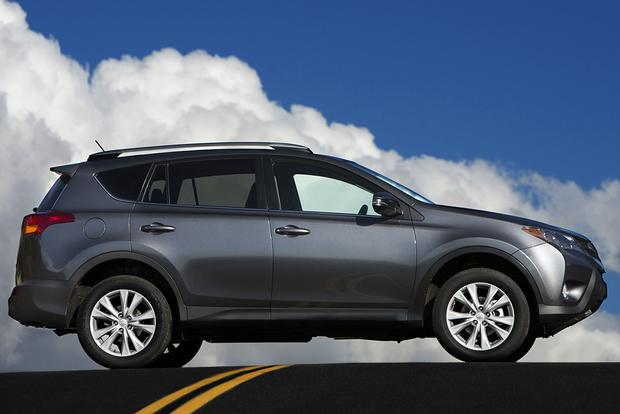 2015 toyota rav4 vs 2015 mazda cx 5 which is better autos post. Black Bedroom Furniture Sets. Home Design Ideas