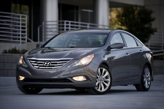 Hyundai Sonata Beats Toyota and Honda for Most Searched featured image large thumb10