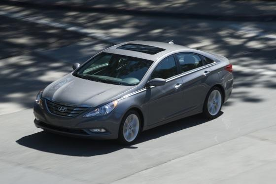 Hyundai Sonata Beats Toyota and Honda for Most Searched featured image large thumb12