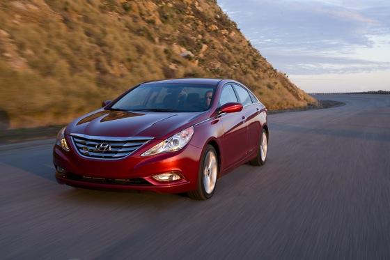 Hyundai Sonata Beats Toyota and Honda for Most Searched featured image large thumb1
