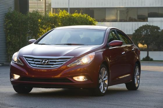 Hyundai Sonata Beats Toyota and Honda for Most Searched featured image large thumb2