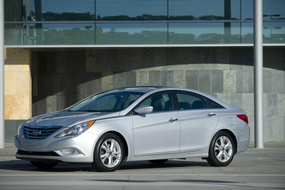 Hyundai Sonata Beats Toyota and Honda for Most Searched featured image large thumb5