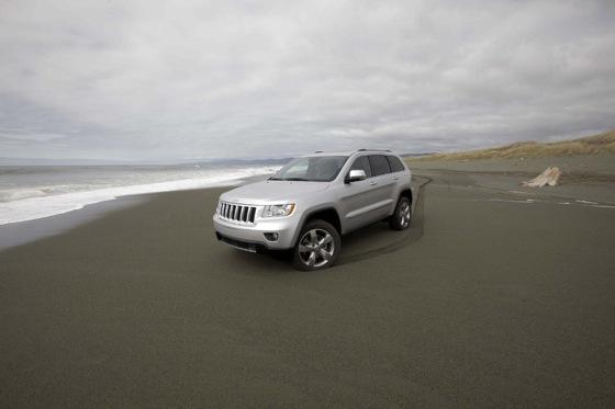 Grand Cherokee's Top Safety Pick Shows Chrysler's Improvement featured image large thumb7