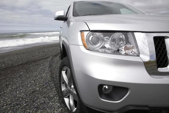 Grand Cherokee's Top Safety Pick Shows Chrysler's Improvement featured image large thumb8